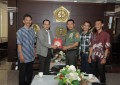 Panglima TNI Terima Penghargaan 'The Right Man on The Right Place'
